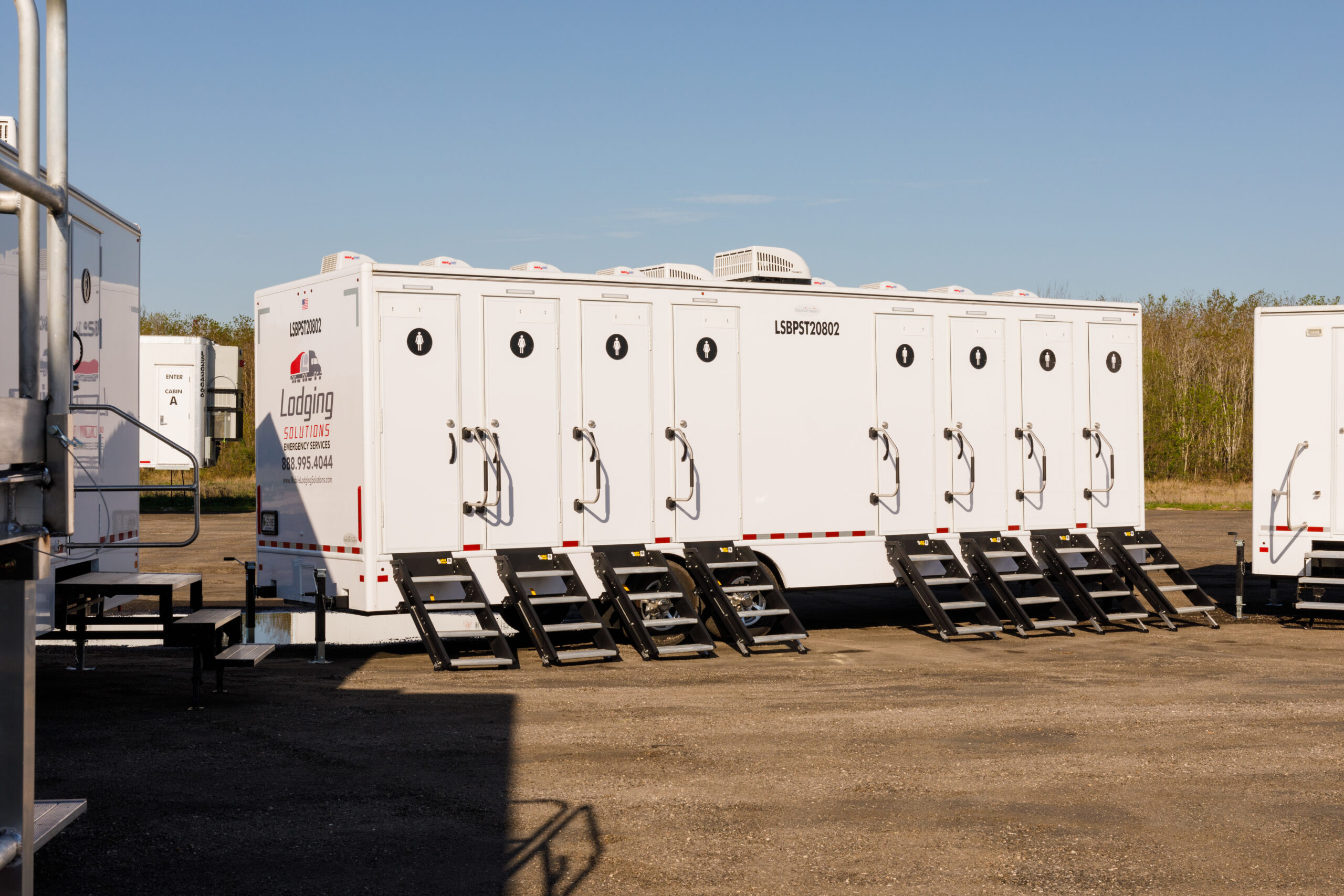 Lodging Solutions/Industrial Tents Mobile Showers/Restrooms for Turnkey Disaster Relief