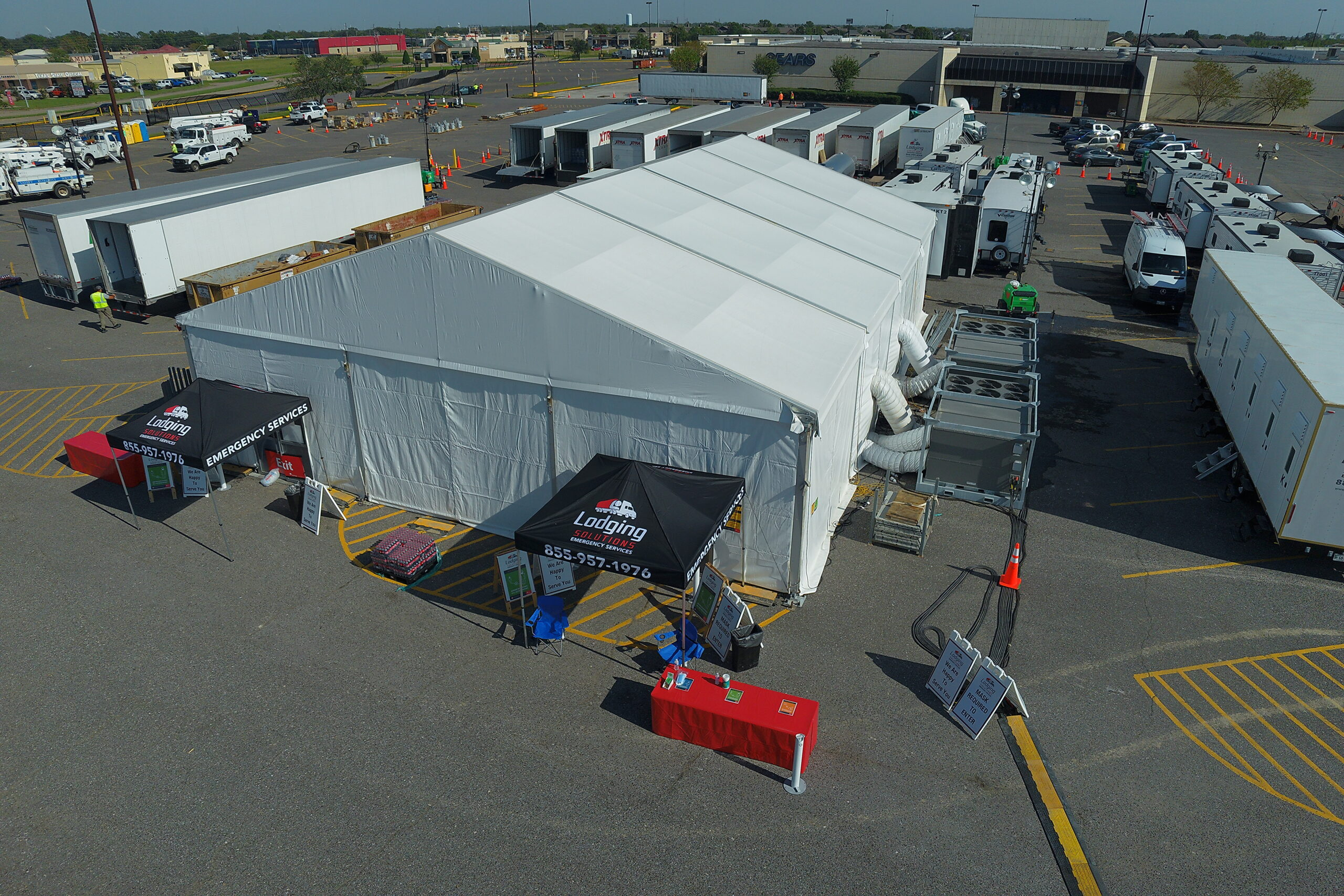 Lodging Solutions/Industrial Tent Systems Base Camp for Emergency Relief